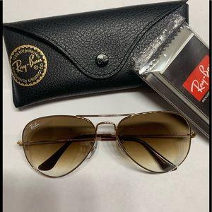 Brand New Ray-Ban Sunglasses.